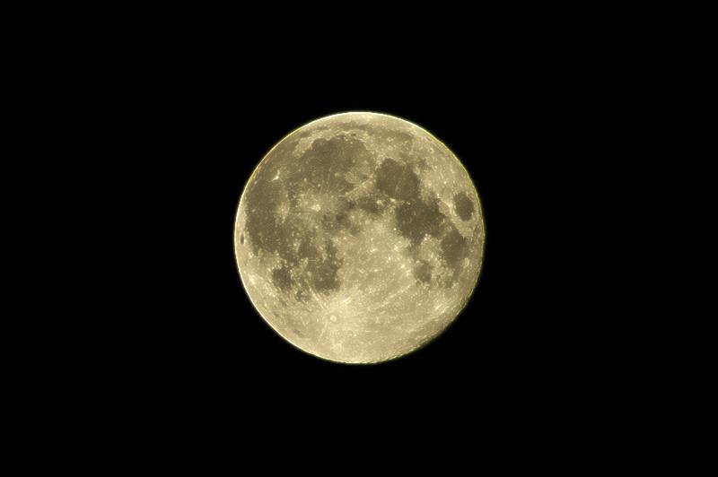 2010년 7월 27일 새벽 보름달